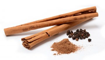 12 Benefits and Uses of Cinnamon Essential Oil